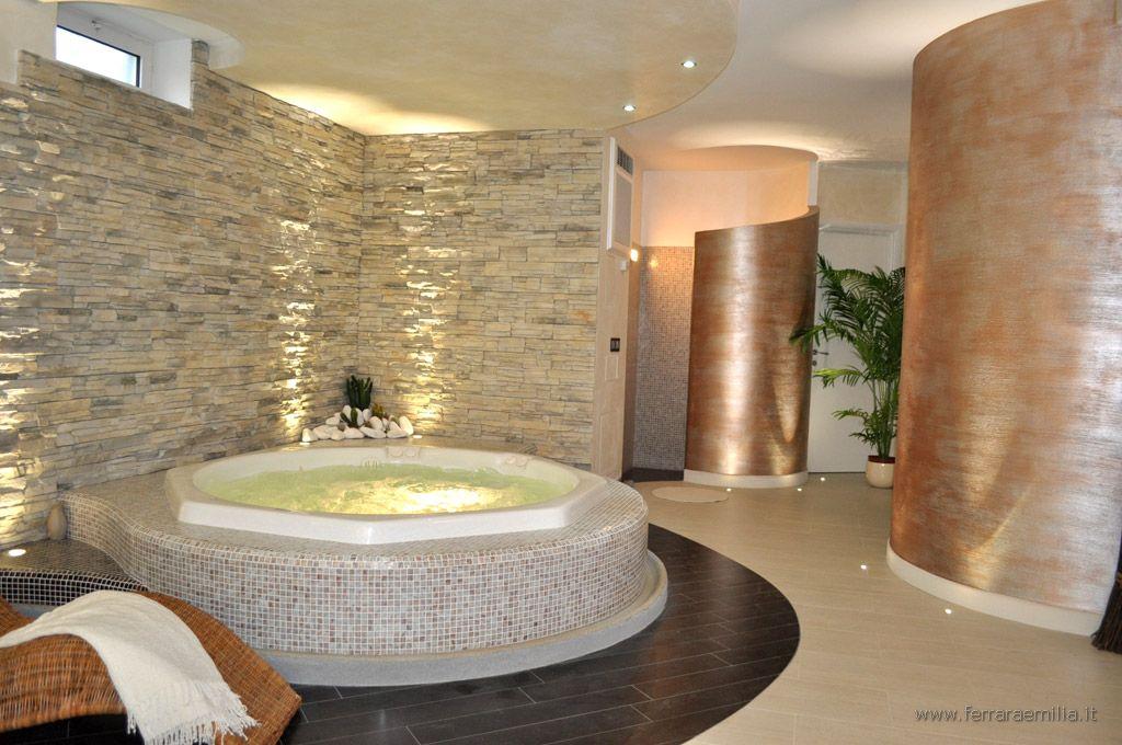 Ferrara emilia bagni di lusso pavimenti rivestimenti for Mobili lussuosi